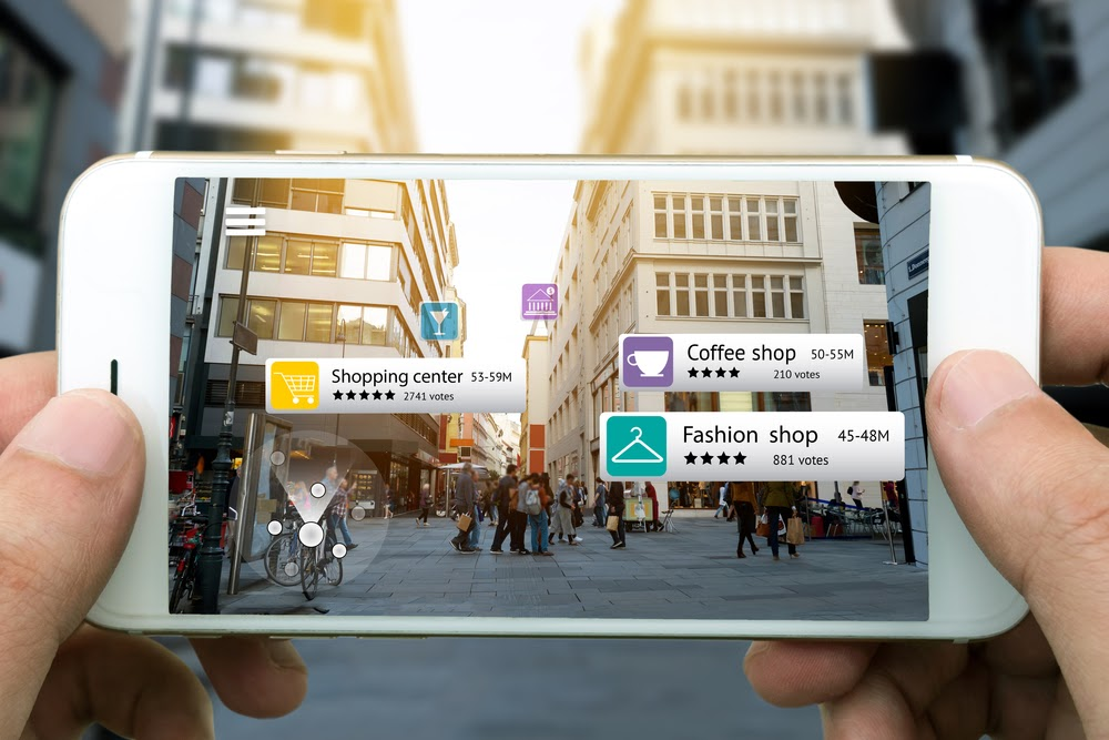 Virtual and Augmented Reality: The Most Disruptive Technology of the Next Decade