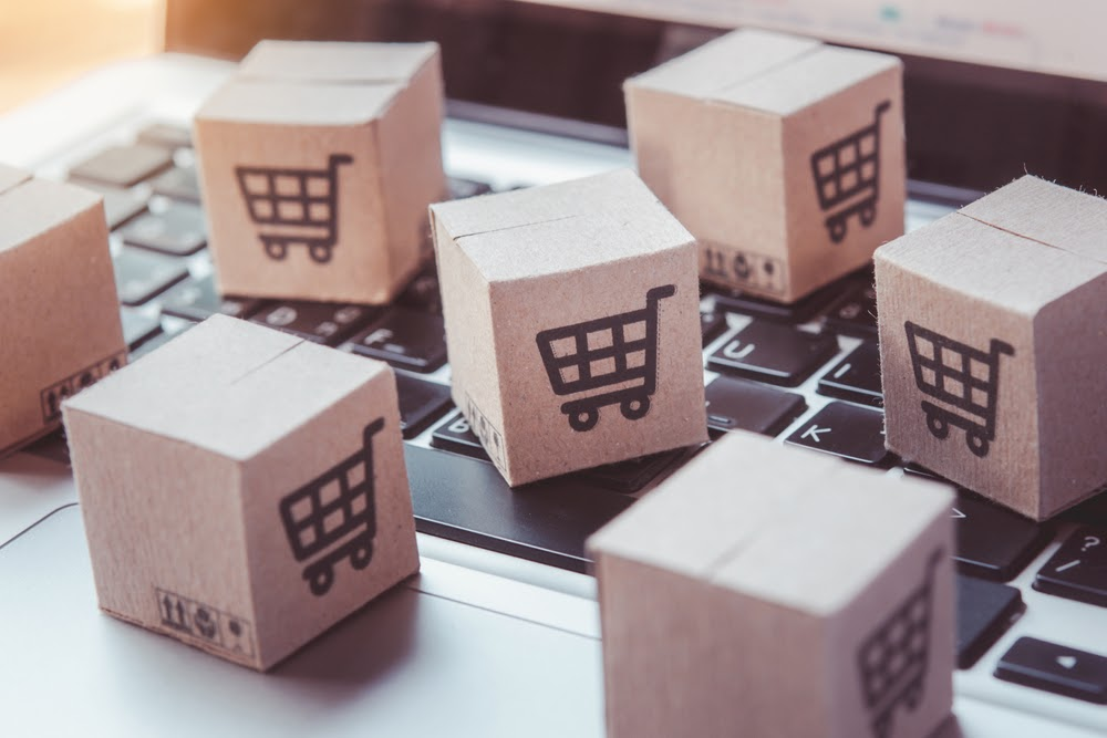 Is Integrating Augmented Reality into E-Commerce Sites Too Risky?